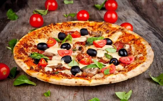 Yaşam Tarzı Emlak Pazarlama: Orta Boy Bir Pizza, Yanında Özel Havuzlu Bir Villa