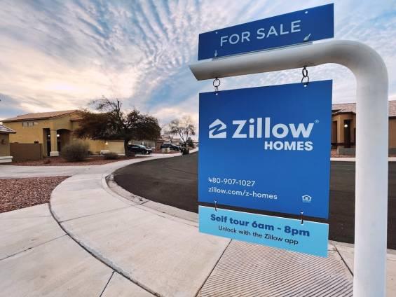 Zillow, Ev Alımlarını Duraklattı
