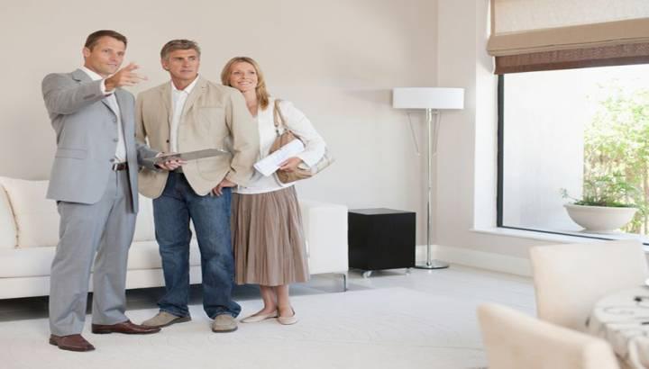 Bir Ev Gösteriminde Alıcı Müşterinin Ruh Hâlini Ayarlayın